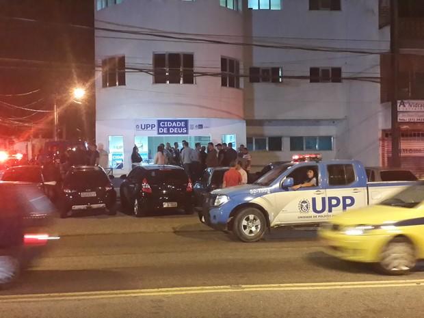 Soldado, que trabalhava na UPP da comunidade, averiguava denúncia de carro roubado. (Foto: Ari Peixoto/TV Globo)