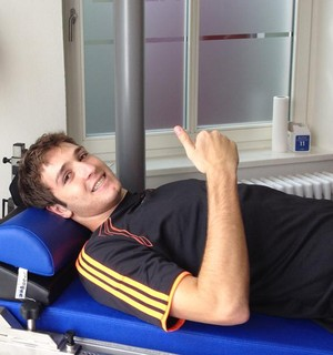 Mário Fernandes faz bateria de exames na Alemanha (Foto: Bolla Press / DVG)