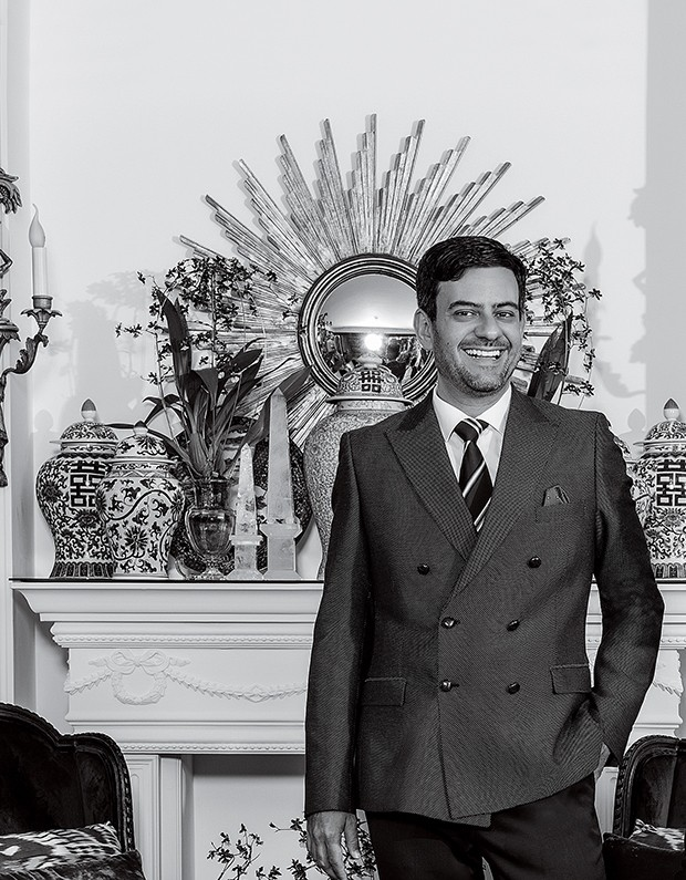 Bruno Astuto e Sandro Barros em seu apartamento localizado em São Paulo. São Paulo (cid.) - Brasil. 16/02/2017. Foto: Beto Riginik / Edições Globo Condé Nast. (Foto: Divulgação)