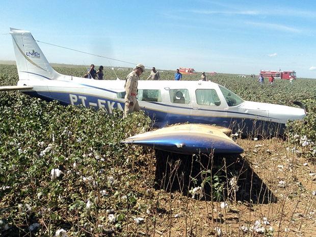 avião faz pouso forçado em MT (Foto: Divulgação/Bombeiros de Sinop)