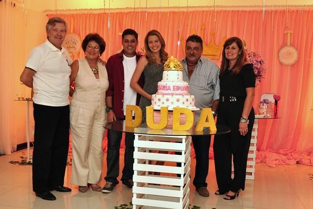 Debby Lagranha e Leandro Franco com a família (Foto: Roberto Teixeira/EGO)