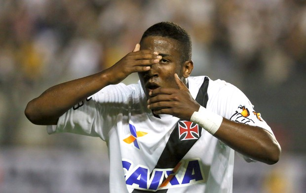 Thalles comemora gol do Vasco contra o Joinville (Foto: Marcos Tristão / Agência O Globo)