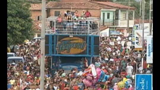 Bloco Minhocão anima carnaval de rua em Tucuruí, no Pará