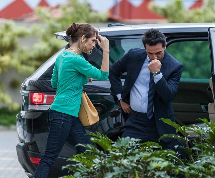 Drica Moraes e Rodrigo Lombardi mostram bom humor nos intervalos das gravações (Foto: Artur Meninea/ Gshow)