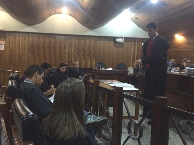 Promotor do Ministério Público Rodrigo Félix, durante julgamento do vigilante apontado como serial killer, em Goiânia, Goiás (Foto: Murillo Velasco/G1)