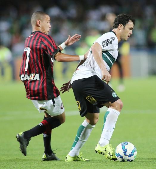 sem favorito (Giuliano Gomes/PR Press)