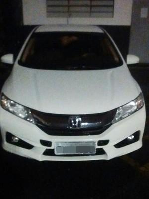 Carro do motorista foi encontrado em Praia Grande (Foto: Divulgação/Polícia Civil)