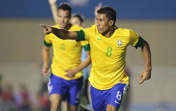 Volante Paulinho é um dos destaques da Seleção Brasileira (Foto: CBF/Divulgação)