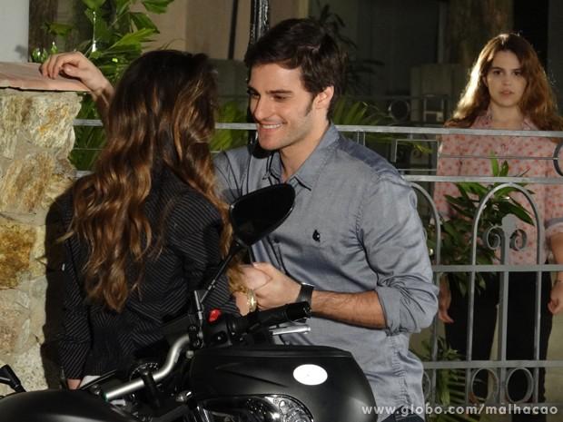 Anita fica surpresa ao saber do namoro de Martin e Flaviana. (Foto: Malhação / TV Globo)