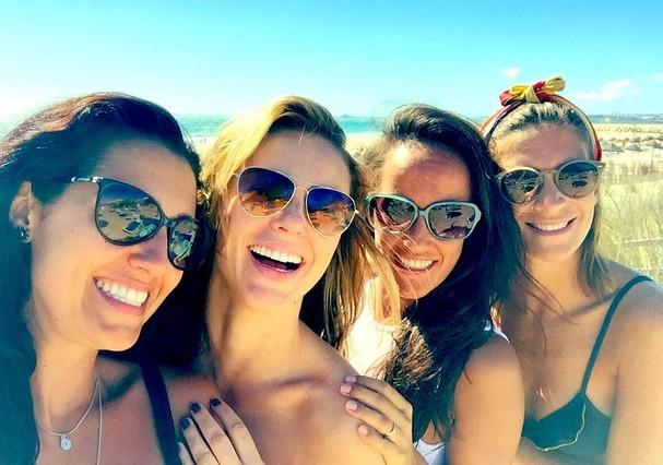 Paolla Oliveira e amigas (Foto: Reprodução/Instagram)
