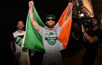 Treinador de McGregor fala em título também nos meio-médios, em julho