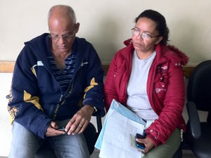 Pai de autônomo acredita que o filho foi morto por engano (Foto: Letícia Macedo/G1)