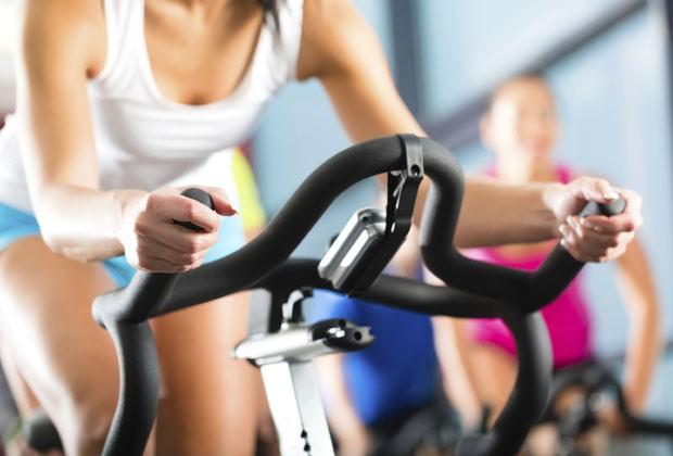 INVISTA NA COMBINAÇÃO DOS EXERCÍCIOS AERÓBICOS E NA MUSCULAÇÃO (Foto: Thinkstock)