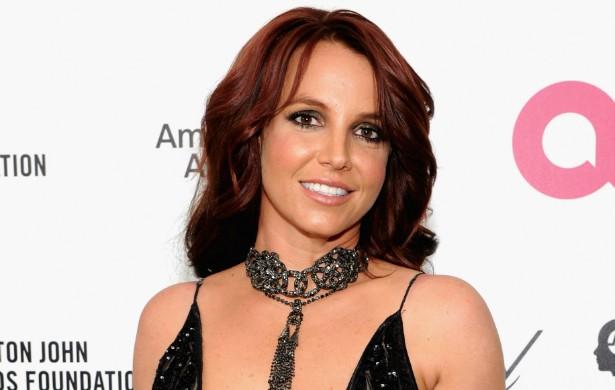 Britney Spears teve um breve relacionamento com um paparazzo chamado Adnan Ghalib. Ele tentou ganhar dinheiro com um vídeo em que supostamente faz sexo com a popstar. (Foto: Getty Images)
