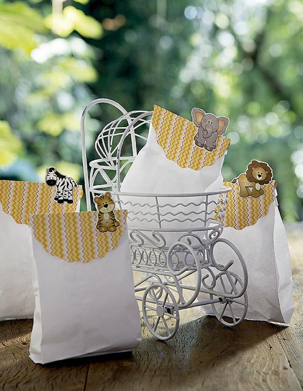 Saquinhos de papel guardam doçuras variadas. Carrinho Rica Festa  (Foto: Cacá Bratke/Editora Globo)