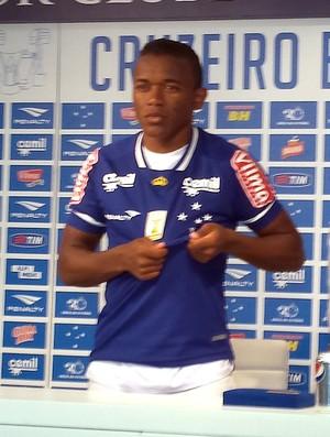 Pará, lateral do Cruzeiro com a camisa (Foto: Marco Antônio Astoni)