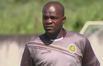 Emocionado, técnico marfinense comemora primeira vitória no Cascavel