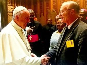 Moser, durante encontro com o papa Francisco1 (Foto: Reprodução site oficial)