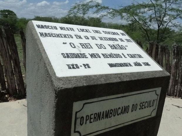 Monumento mostra o local onde nasceu Luiz Gonzaga do Nascimento, há 100 anos. (Foto: Luna Markman / G1 PE)