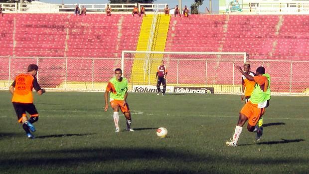 Noroeste x Oeste - jogo-treino em Bauru (Foto: Thiago Navarro/EC Noroeste)