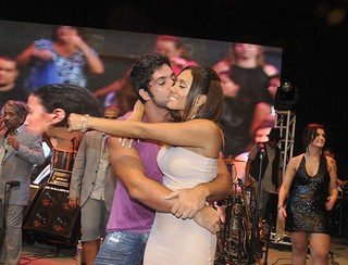 Kadu Parga e Lia Khey na final do 'BBB 10' (Foto: Juliana Rezende/EGO)