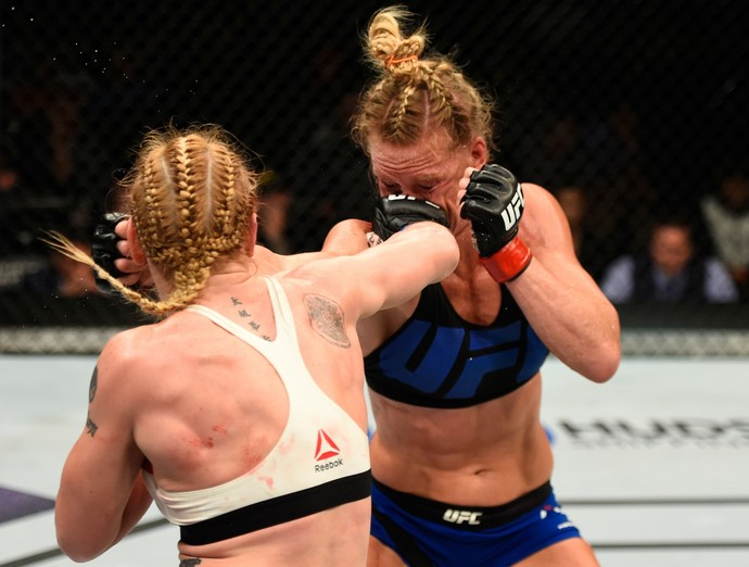 Valentina Shevchenko x Holly Holm UFC Chicago (Foto: Getty Images)