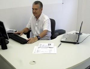 Moisés Cândido, diretor de futebol do Vila Nova (Foto: Divulgação/Barueri)