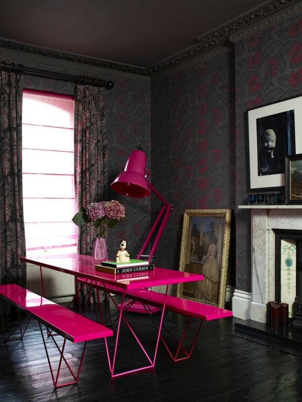 Décor do dia: explosão pink na sala
