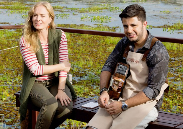 Angélica e Cristiano Araújo na gravação do Estrelas no Pantanal (Foto: Globo/ Gabriel Nascimento)