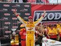 Atual campeo da Indy faz a pole no Alabama; Helinho  melhor brasileiro