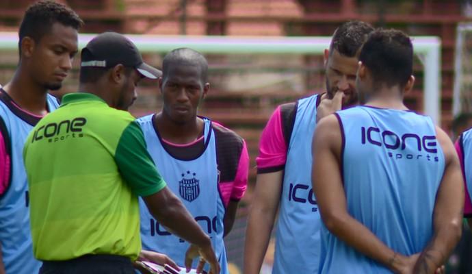 Cláudio Britto técnico União Barbarense (Foto: Oscar Herculano Jr / EPTV)