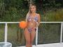 Leticia Santiago mostra barriguinha de grávida: 'Parece que comi uma bola'