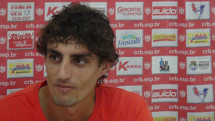 Clebinho, meia do CRB (Foto: Paulo Victor Malta/GloboEsporte.com)