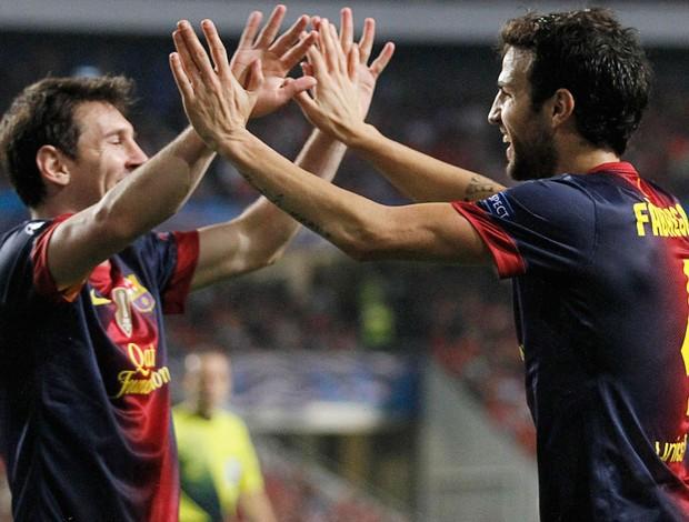 Fabregas e Messi, Barcelona x Benfica (Foto: Agência Reuters)