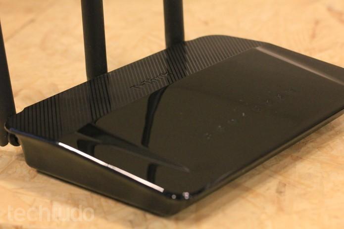 Roteador D-Link AC 750 DIR 809 é do tipo dual-band e está disponível no Brasil (Foto: Lucas Mendes/TechTudo)