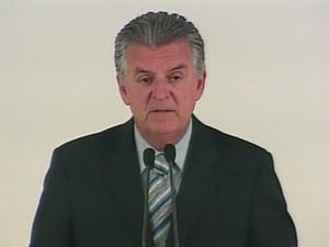 Ex-ministro Walfrido dos Mares Guia deixou de responde pelos crime do 'valerioduto tucano'. (Foto: Reprodução/TV Globo)