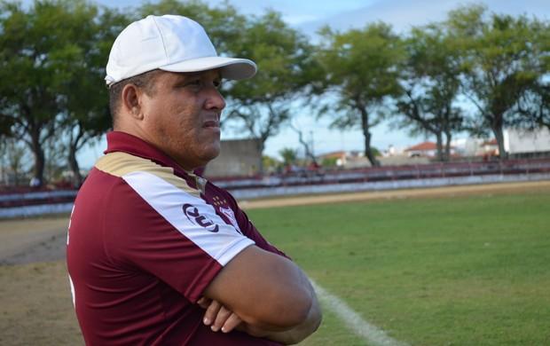 Givanildo aprovou o desempenho dos jogadores (Foto: Felipe Martins/GLOBOESPORTE.COM/SE)