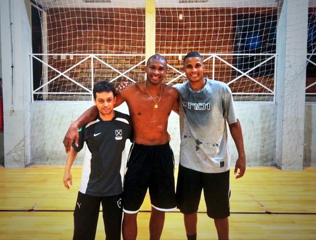 leandrinho basquete primeiro treino (Foto: Divulgação)