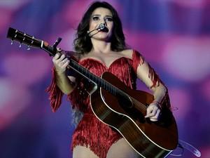 Paula Fernandes no DVD 'Multishow ao vivo: Paula Fernandes, um ser amor' (Foto: Divulgação)