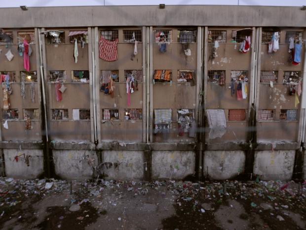 Atualmente, há 4.549 detentos nas celas, enquanto a capacidade máxima é para abrigar 1.824 homens (Foto: Reprodução)