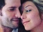 Luiza Possi posta selfie na cama em clima de romance com o namorado