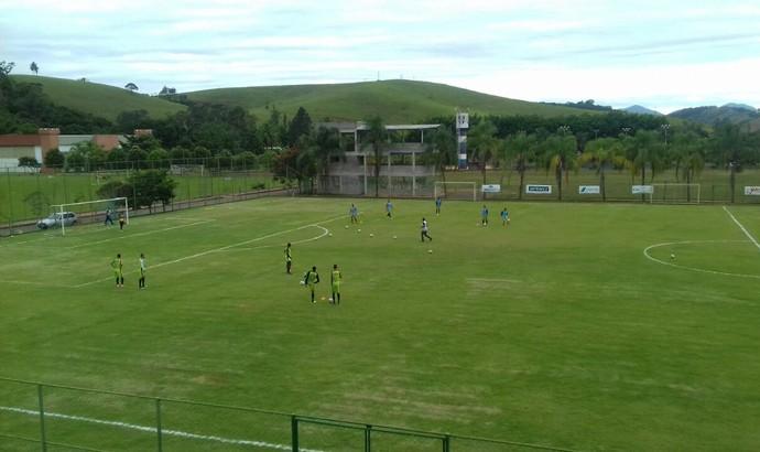 Visão do alto do campo utilizado pelo Volta Redonda nesta segunda-feira (Foto: Divulgação)