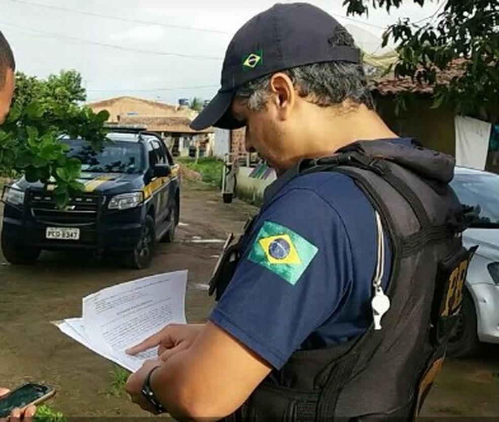 Mandado foi cumprido pela PRF (Foto: Divulgação/Assessoria )