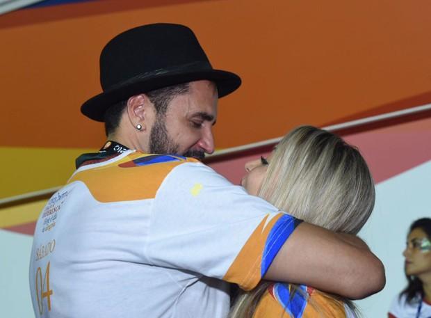 Latino e Jéssica Rodrigues (Foto: Renato Wrobel/ Ed. Globo)