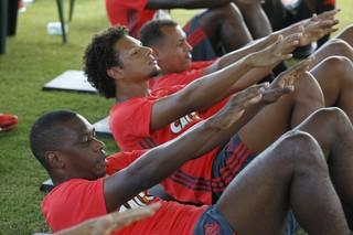 juan flamengo treino mangaratiba (Foto: Gilvan de Souza / Flamengo)