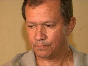 Vasconcellos, pai de adolescente morto queimado, conta com investigação para esclarecer o caso (Foto: Paulo Souza/EPTV)