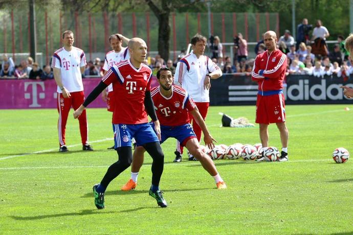 Robben treino Bayern (Foto: Reprodução / Facebook)