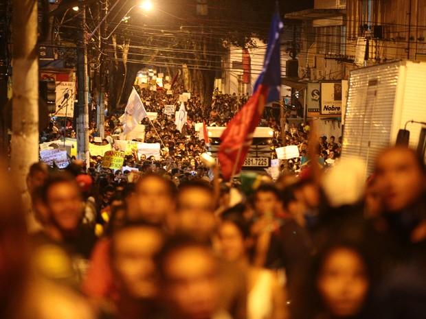 Protesto percorreu a Rua das Árvores, no Centro. (Foto: Jonathan Lins/G1)