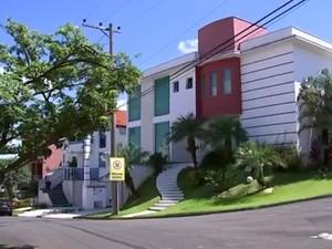 Moradores de condomínio também reclamam de aumento (Foto: Reprodução/TV TEM)