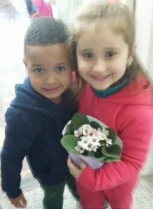 Empurrão, colega, Diogo, flores, Porto Alegre, escola, Isabelle (Foto: Janira Heisler/Arquivo Pessoal)